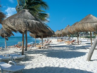 Sandos caracol Beach & Spa Resort Property